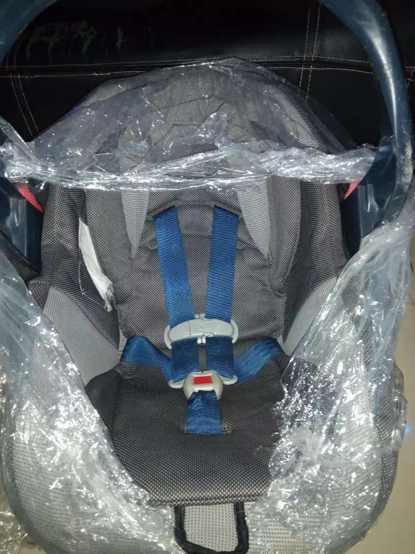 Graco carseat for sale 0