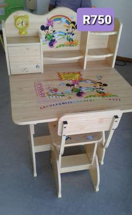 Minnie and Mickey Mouse Desk