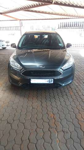 Ford Focus 1.0 Ecoboost sedan