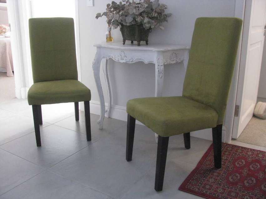Dining room chairs 0