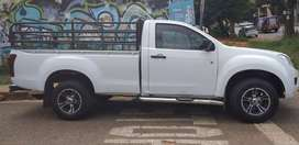 2014 Isuzu kB250 2.5 engine capacity 4x2 single cab.