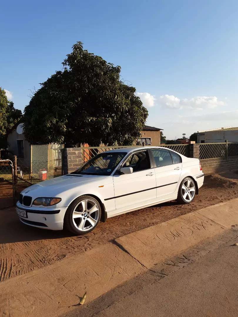 I'm selling my bmw 320 d 2004 face lift 0