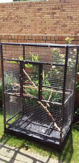 Parrot cage/large birds