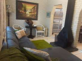 2 Bedroom house to rent in Orlando East.
