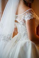 Свадебное платье + подарок : свадебный подъюбник
