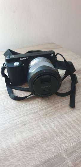 Sony NEX - F3 Digital Camera