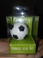Pendrive piłka 16GB