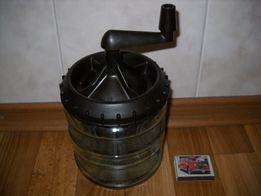 Сбивалка для крема СССР . Ручная.