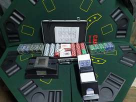 Poker travel table with chips