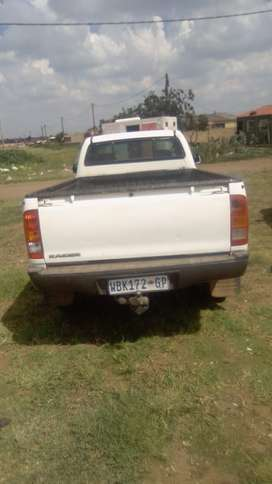 Am selling my Toyota hulux bakkie