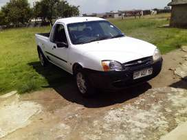 Is ford bantam bakkie with canopy
