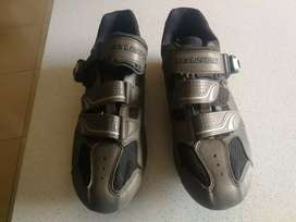 Exustar size 8 cycling shoes (men)