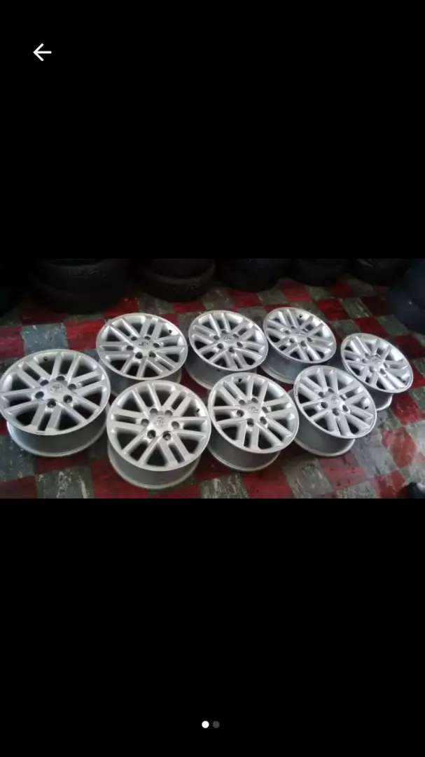 "17"" Toyota/Fortuner twin spoke silver mags for r1250 each 0"