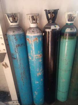 Gas bottles / gas cylinders