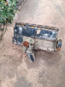 Ade 366 block. Piston. Injector pump and others
