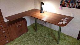 Продаётся стол письменный