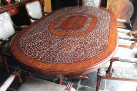 Dining table with flower detail and copper inlay includes 6x tables