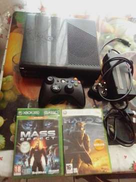 Xbox 360 250gig  console with 2 games and 1 controller with cables
