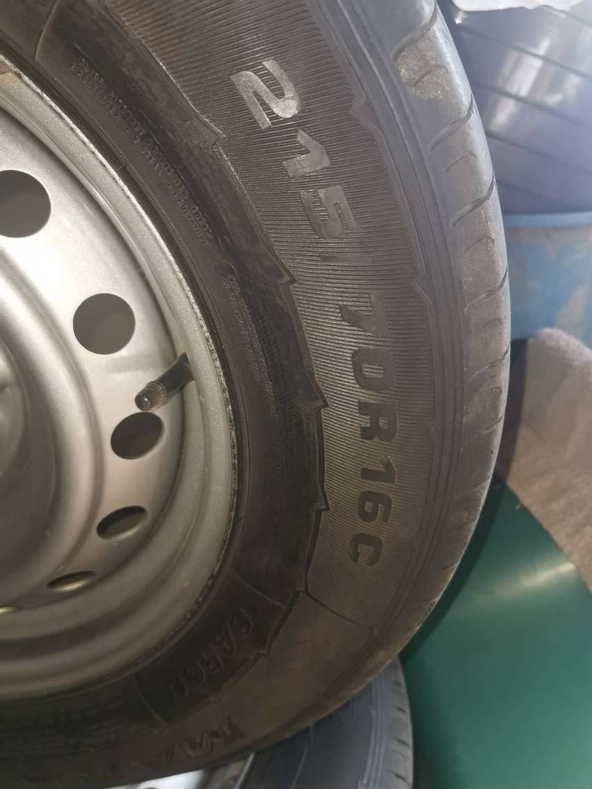 Tyres and rims 0