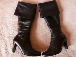 Продам женские зимние сапоги-ботфорты, б/у, в хорошем состоянии.