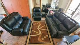 Leather Recliner loungesuite