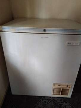WHITE KIC CHEST FREEZER