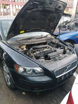 Volvo s40 s40 T5 2.5litre stripping for spares