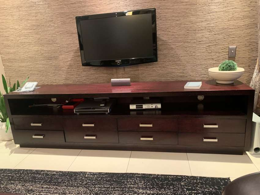 Tv plasma unit in solid timber 0