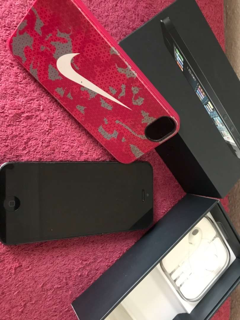 iPhone 5s in excellent condition 0