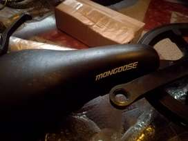 I'm selling my bicycle its never been used type mongoose