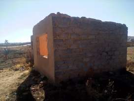 Land and 2rooms for sale