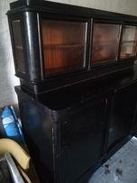 Stary kredens do renowacji