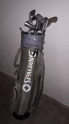 Spalding ghold bag and iron set