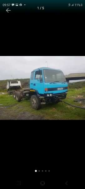 Isuzu f9500 stripping only
