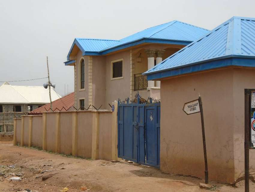 2 No 3bedroom flat duplex and 5 No 1 bedroom flat with wide space 0