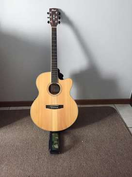 Accoustic Electric Guitar