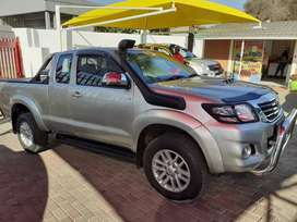 2015 Toyota hilux 3.0D-4D 4x4 extended cab, good cond, R198000
