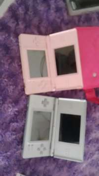 Image of Nintendo DS Lite and games