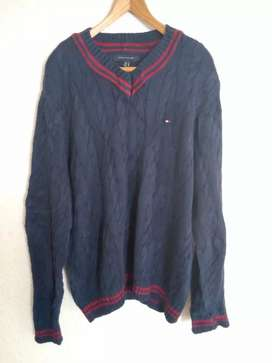 Tommy Hilfiger Cable Knit Sweater (Large) Like new, Navy/red,