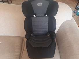 Safeway Nomad 15 - 36kg booster seat in excellent condition