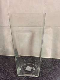 Image of Large square glass vase (clear)