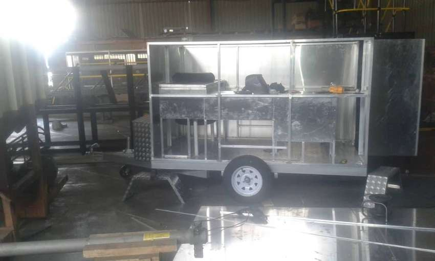 Dog grooming trailers and equipment 0