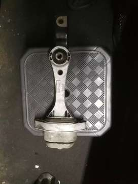 Golf 4 gearbox mounting