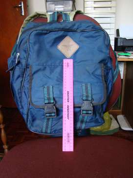 Back Pack with extra compartment, usual straps