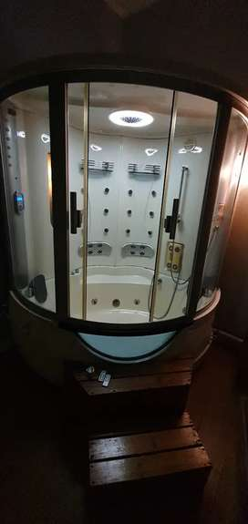 Steamer room jacuzzi combination for sale