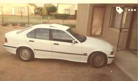 BMW 318is  age 2000 type dolphin  shape