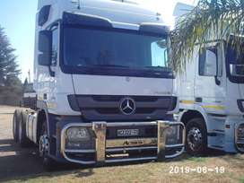 The best gift is to ride Mercedes-Benz
