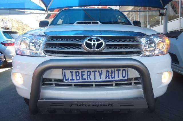 2011 Toyota Fortuner 3.0 D-4D #AUTO 7Seater 100,000km  LIBERTY AUTO 0
