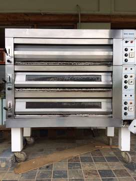 3 Deck Oven, 9 tray