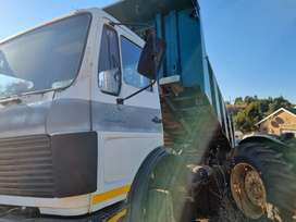 10 tons Mercedes tipping truck